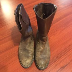 Red Wing Pecos boots size 8.5